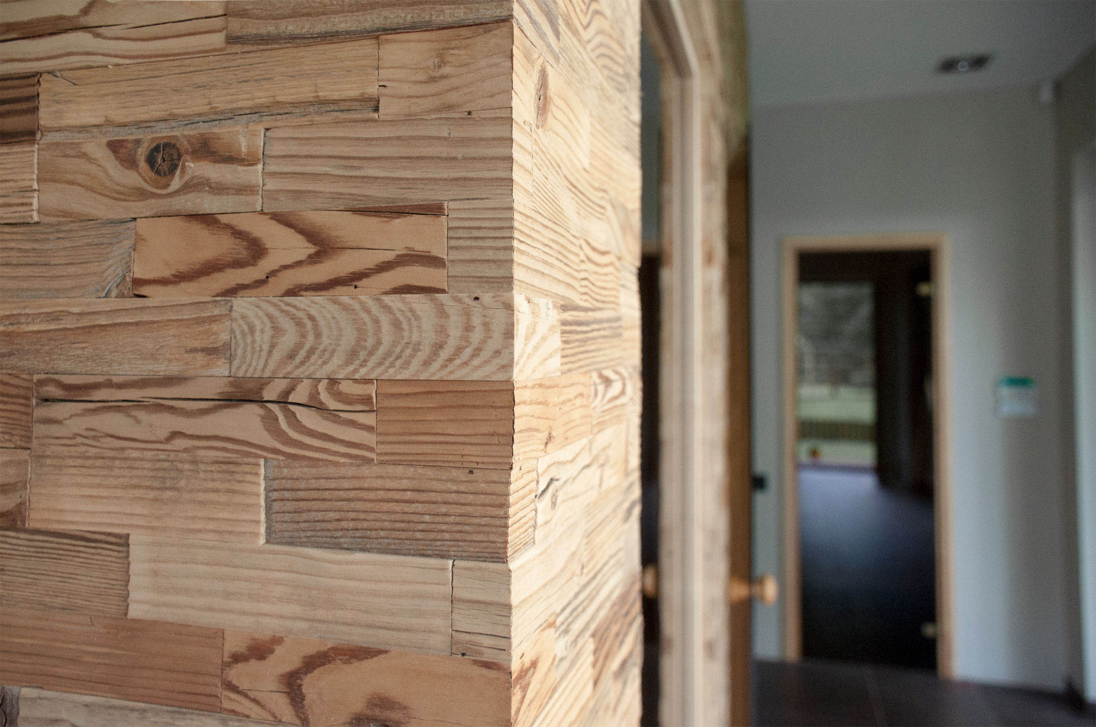 Otrreiz pārstrādātā koka sienu paneļi