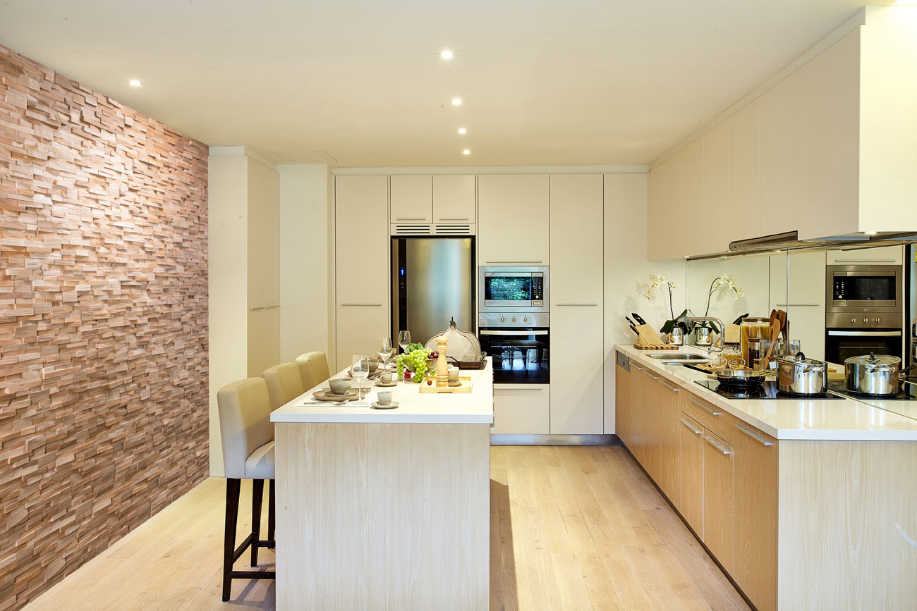 Rosa wall panel in kitchen