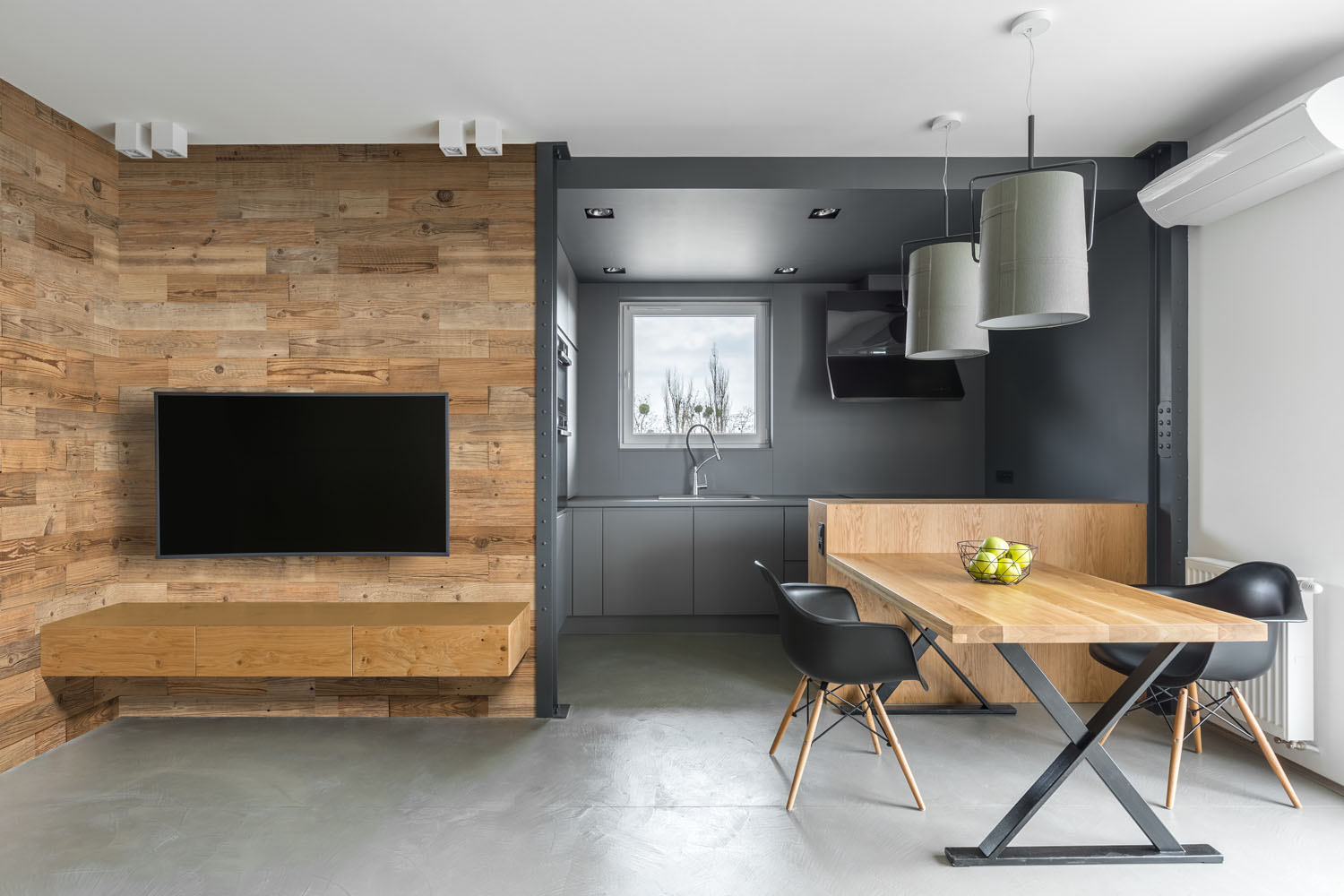 reclaimed wood wall appartment